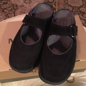 Merrell brand black suede Mary Jane backless clog